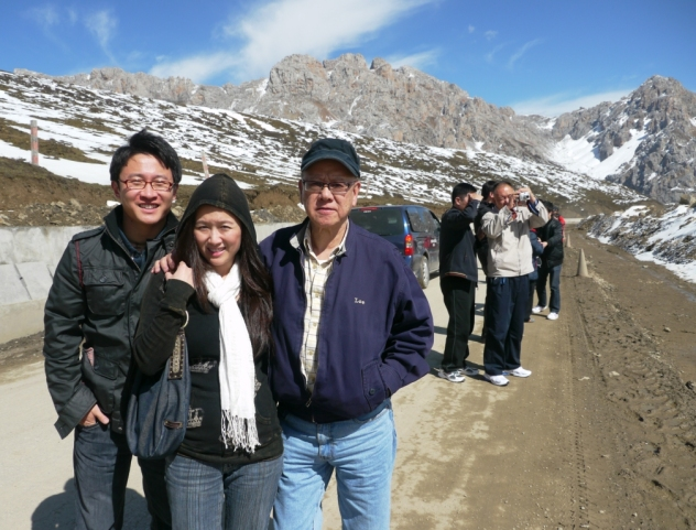 g, v + baba @ huang long (approx 12800 ft. elevation)